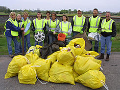 adopt-a-highway-crew_WHE.org