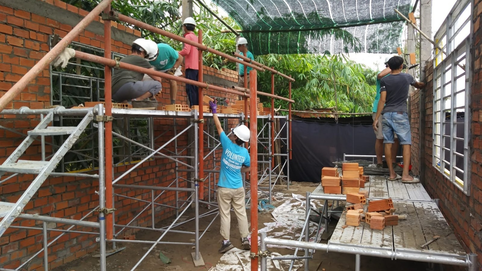 Building Walls in Vietnam 2018