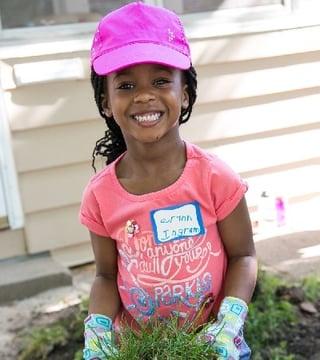 NR little girl.jpg
