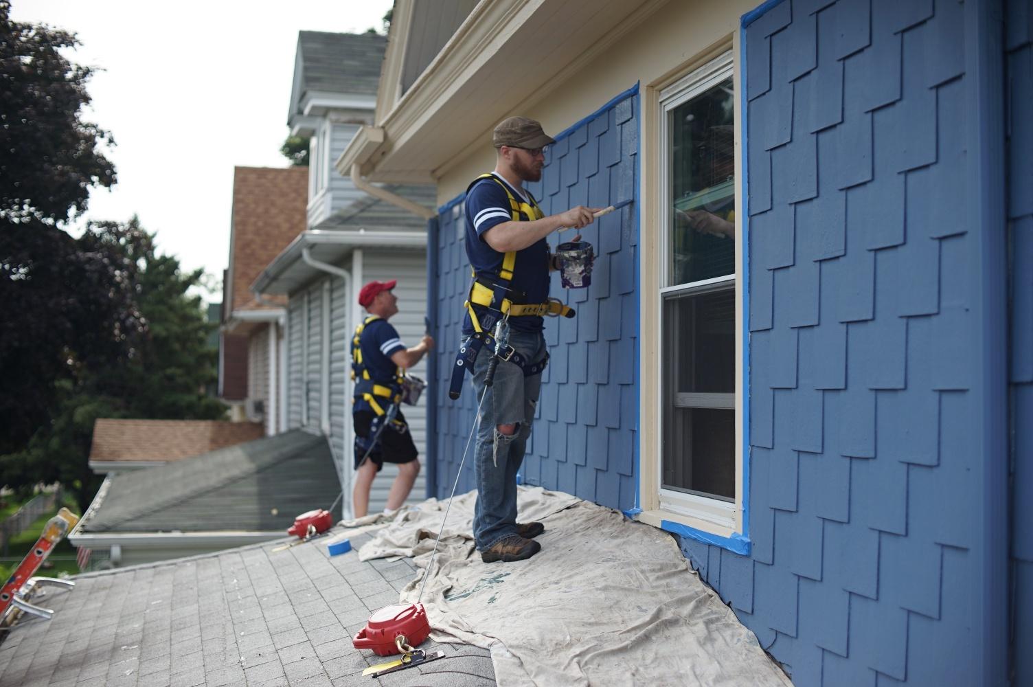 Painting siding.jpg