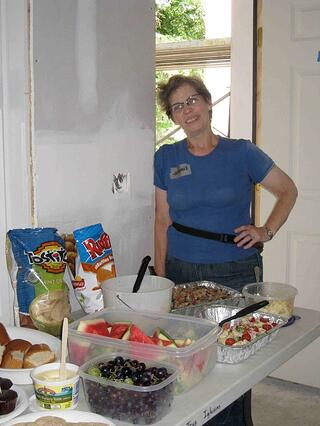 One way for Tres Iglesias volunteers to be involved is by providing lunch for volunteers on-site.