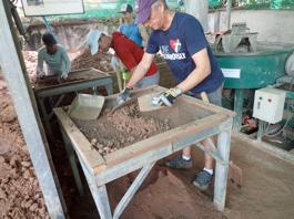 Mark sifting sand
