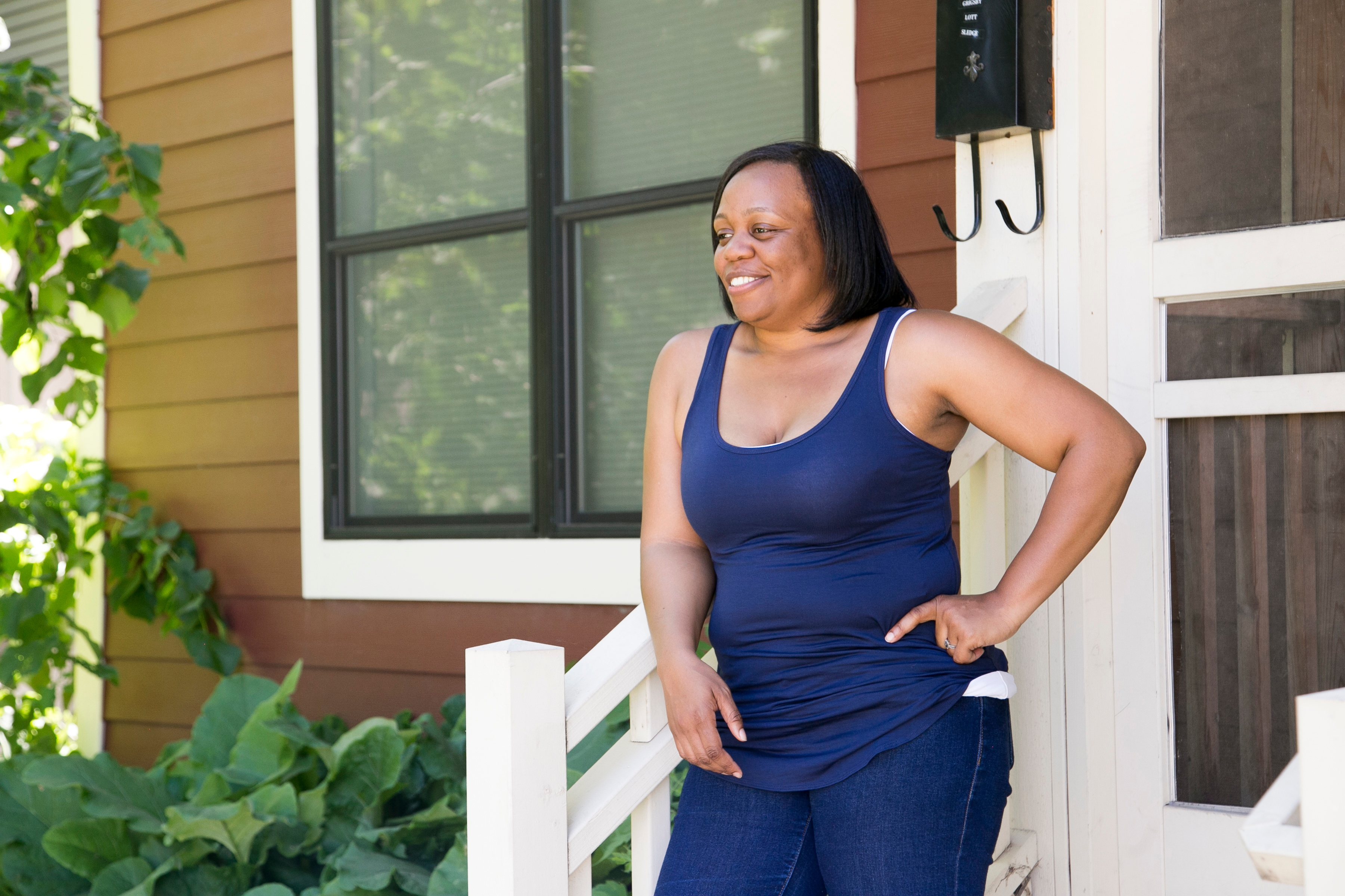 Lynnisha by her home