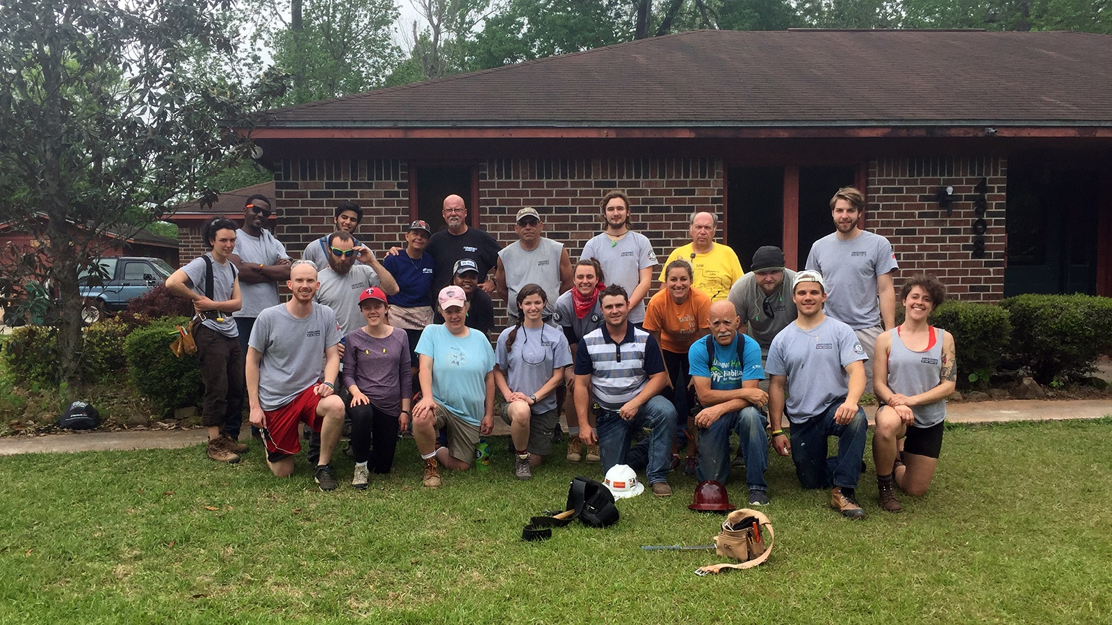 AmeriCorps members on service trip to Texas-1