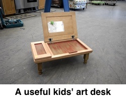Art_desk_with_caption