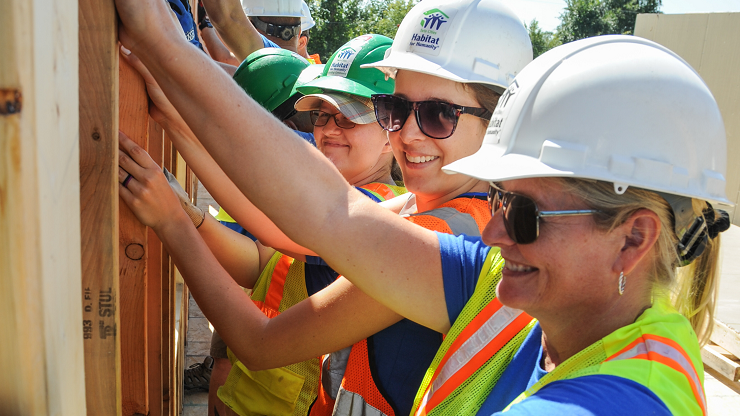 Employees Volunteering with VTO